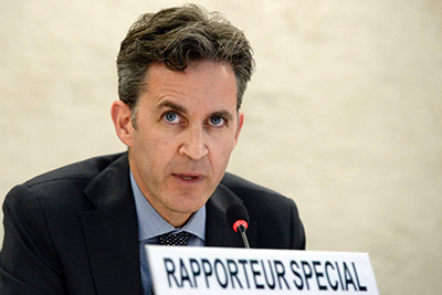 David Kaye, Special Rapporteur on the promotion and protection of the right to freedom of opinion and expression speaks at the Human Rights Council. 17 June 2015. UN Photo / Jean-Marc Ferré